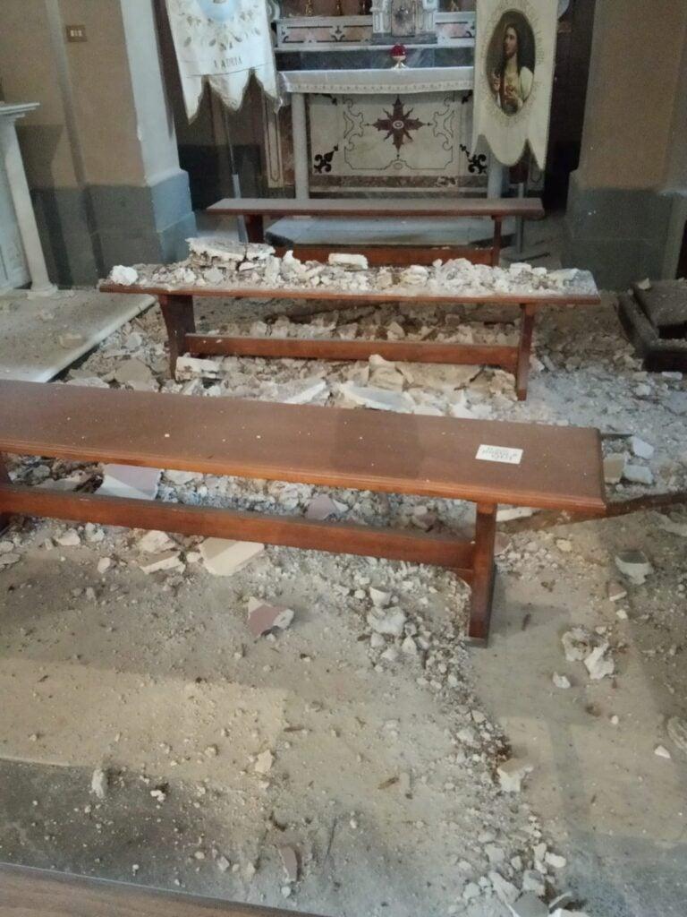 Lauria, sfiorata tragedia: cede il soffitto