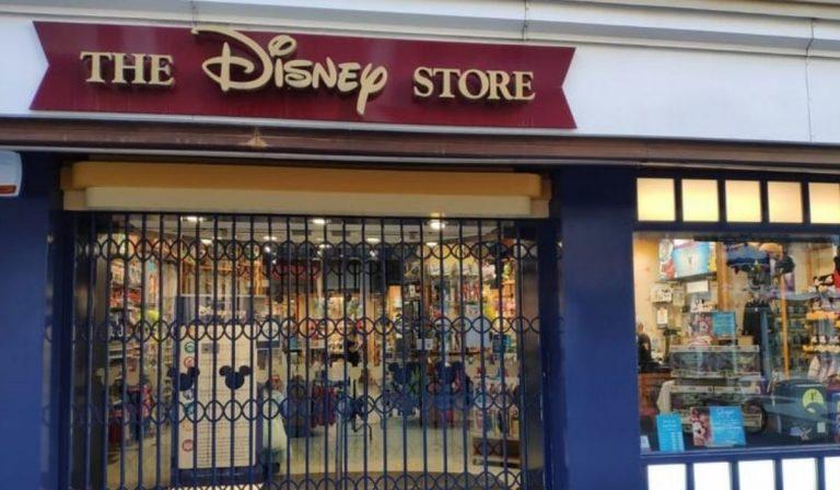 Disney store chiude
