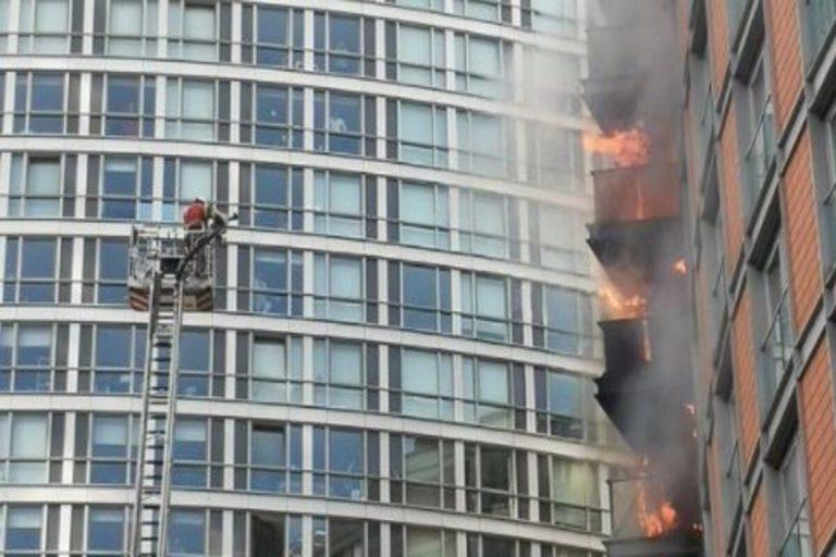 Incendio palazzo a Londra