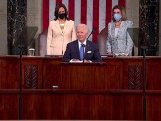 Biden con Harris e Pelosi