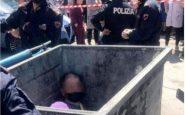Scampia, uomo linciato e gettato in un cassonetto