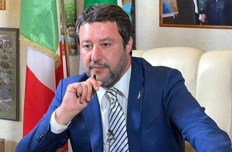 Blocco dei licenziamenti, il commento di Salvini