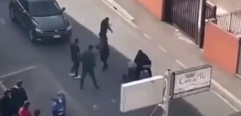 Un frame della brutale aggressione