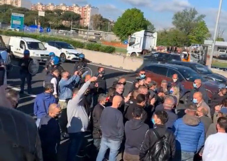 Protesta sul Grande Raccordo Anulare di Roma