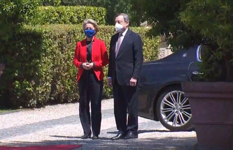 Ursula von der Leyen e Mario Draghi