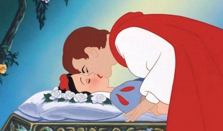 biancaneve bacio senza consenso