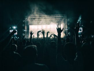 festa esperimento, 2 mila persone in discoteca