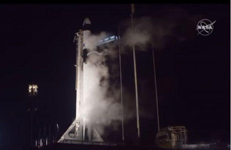 Ammarata con successo la capsula Crew Dragon
