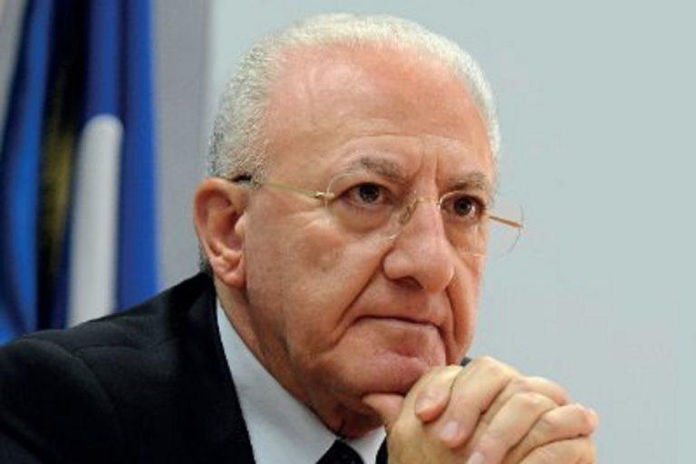 il governatore campano De Luca, è stato indagato per la gestione dei rifiuti in campania