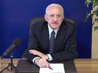 De Luca in diretta comunica la decisione sulla vaccino AstraZeneca in Campania