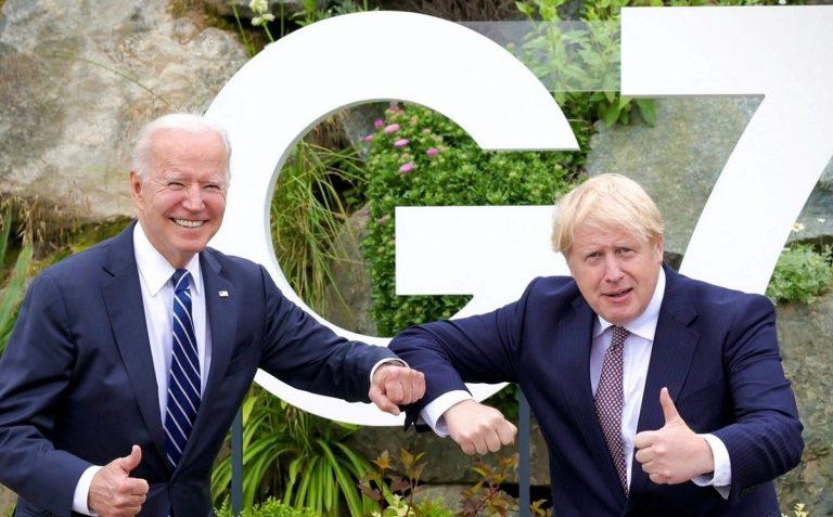 Boris Johnson e Joe Biden al G7