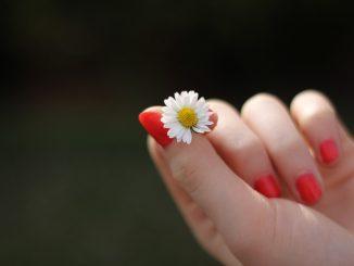 Il Covid può avere effetti sulle unghie?
