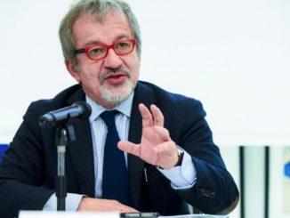 Roberto Maroni rinuncia candidatura