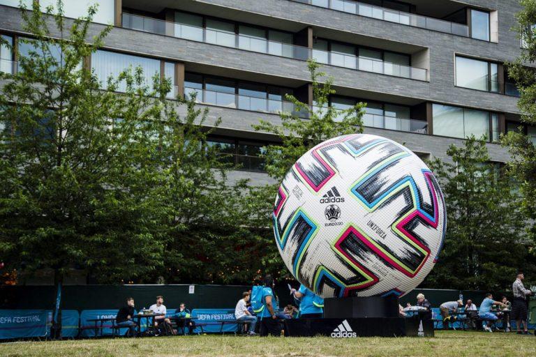 Tifosi Francia sbagliano città per seguire una gara di EURO 2020
