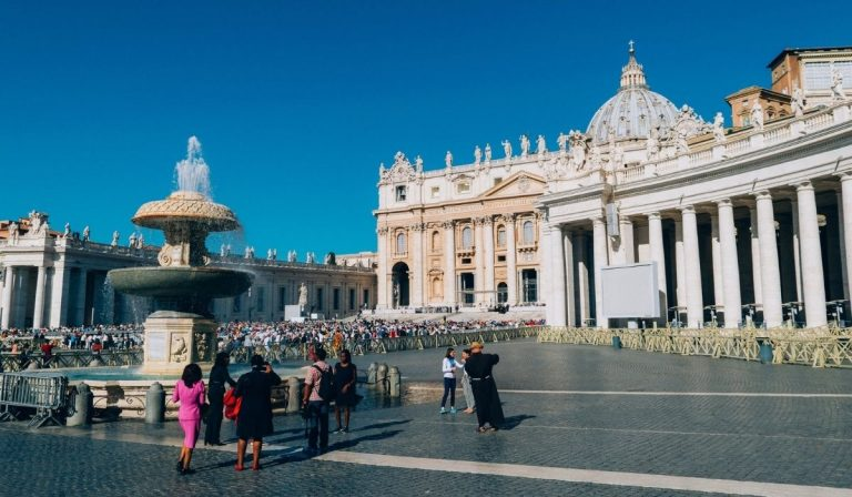 roma 46enne minaccia passanti