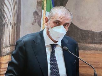 Non cambia la campagna vaccinale, lo dice il sottosegretario Costa