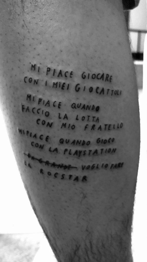 tatuaggio polpaccio damiano maneskin