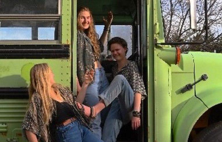 Le ragazze di The BAM Bus