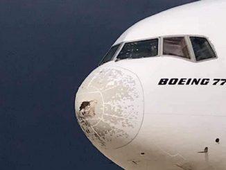 Boeing 777-31H di Emirates