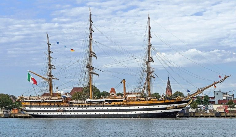 Covid nave Amerigo Vespucci