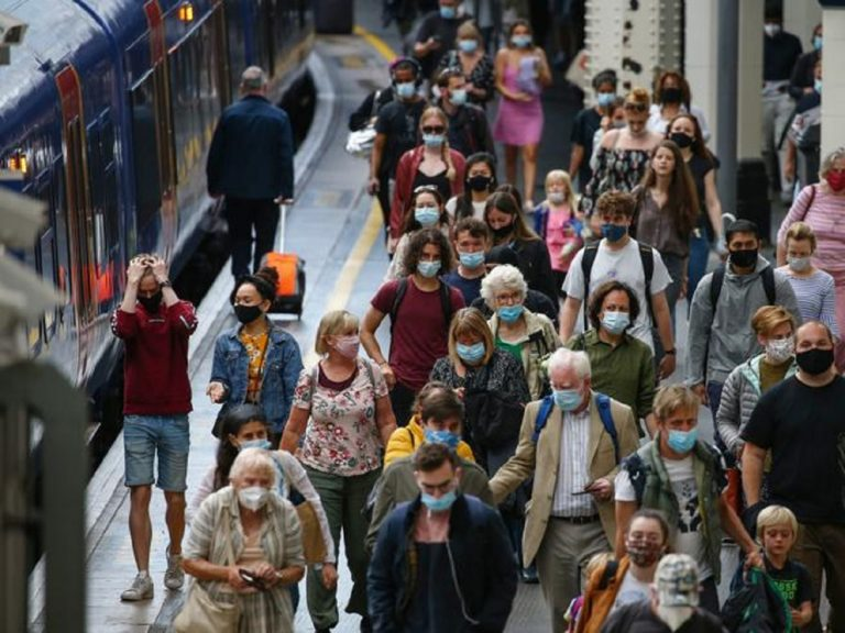 Boom di contagi nel Regno Unito