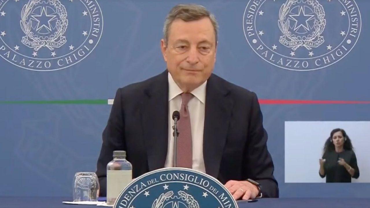 Conferenza stampa di Mario Draghi oggi alle 16 su Green pass, scuola e  trasporti