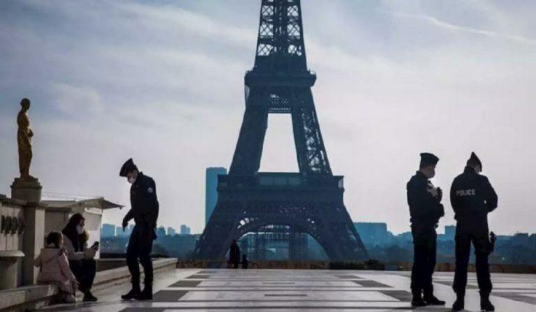 Green Pass Torre Eiffel