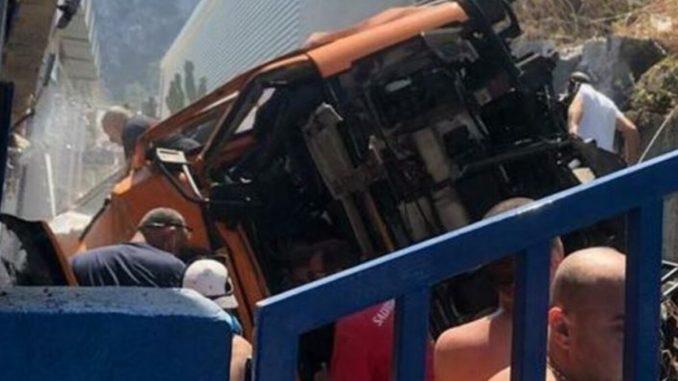 Incidente Capri autobus precipitato
