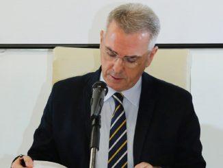 Il professor Minelli