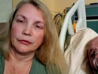 Moglie fotografa marito non vaccinato