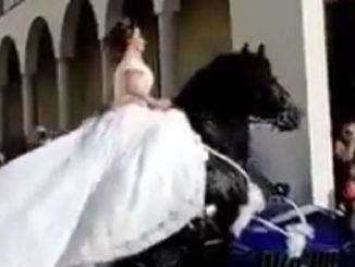 Palmi sposa a cavallo