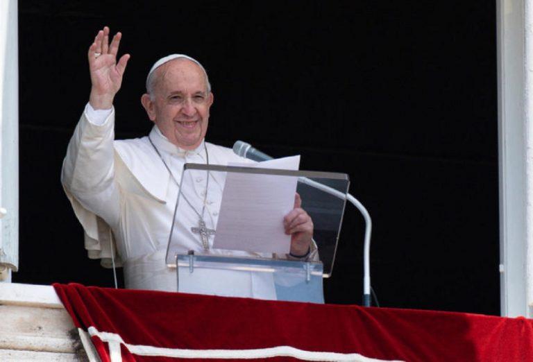 Papa Francesco dimesso