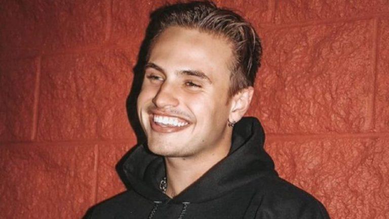 Daniel Mickelson