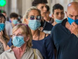 mascherina all'aperto Campania