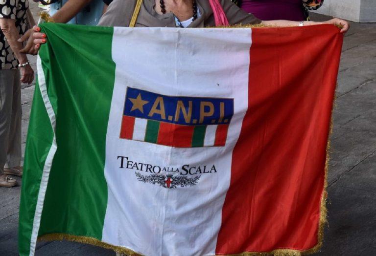 """L'Anpi esulta per il """"patentino antifascista"""" a Milano"""