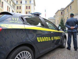 Droga nei loculi del cimitero di Giarre: due arresti