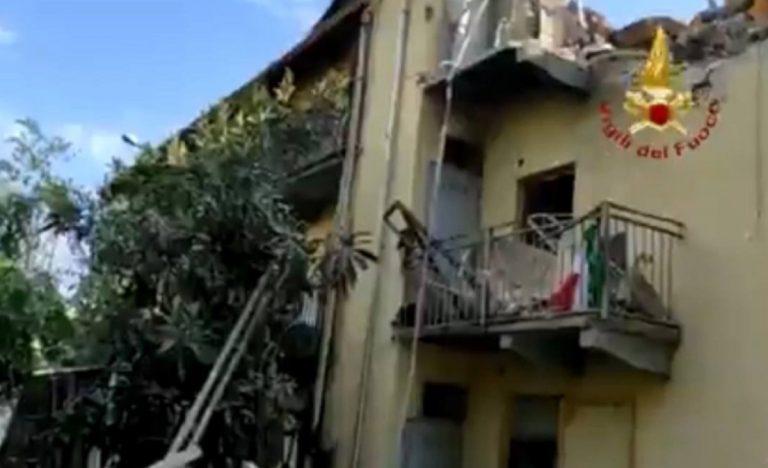 Palazzina crollata Torino