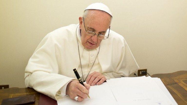 Papa Francesco ha il suo Green pass