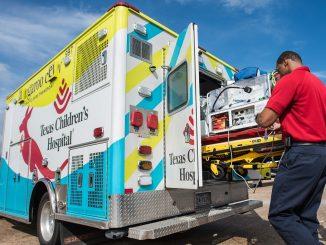 Un'ambulanza dell Texas Children Hospital dove è ricoverato Felix