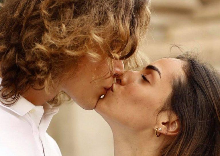 Vanessa e Massimiliano in pieno idilio