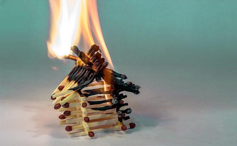 Assicurazione casa scoppio e incendio