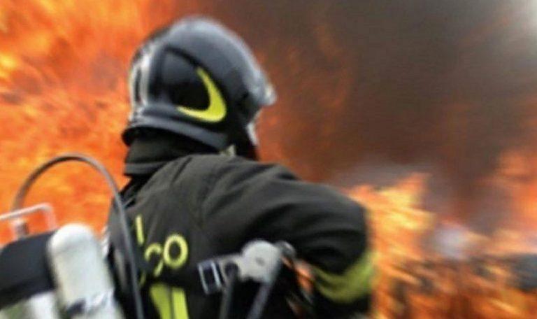 Roma, incendio in un appartamento della Magliana