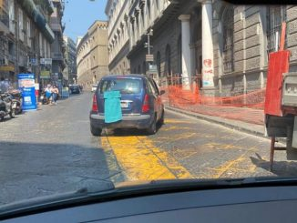 Napoli coprono targhe auto