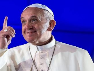 """Papa Francesco operato al colon: """"Alcuni mi volevano morto"""""""