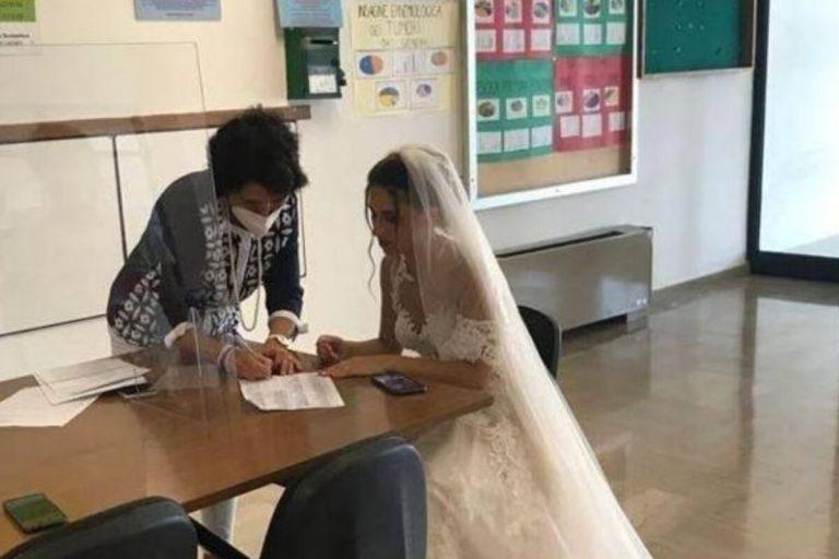 Prof di matematica vestita da sposa