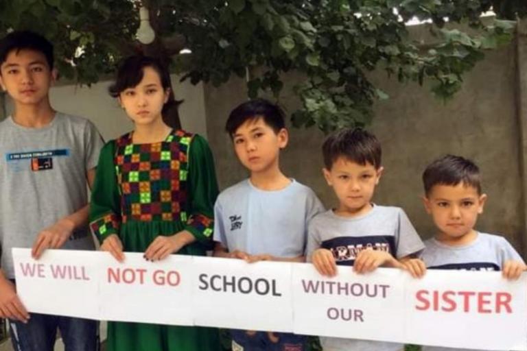 Afghanistan protesta istruzione bambine