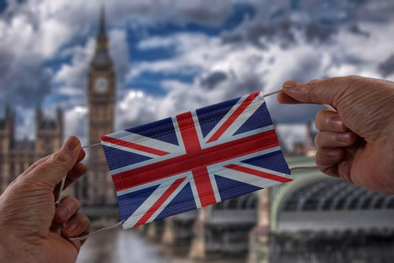 Regno Unito e Covid, Green Pass e mascherine