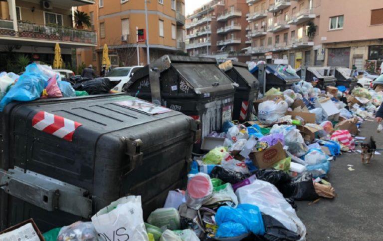 """Roma peggio di Bangkok: è la capitale più sporca al mondo secondo un sondaggio della rivista """"Time Out"""""""