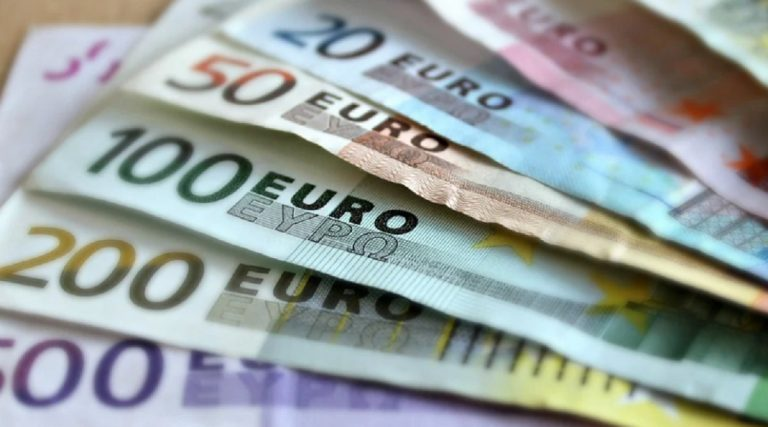 tabaccaio trova 15mila euro
