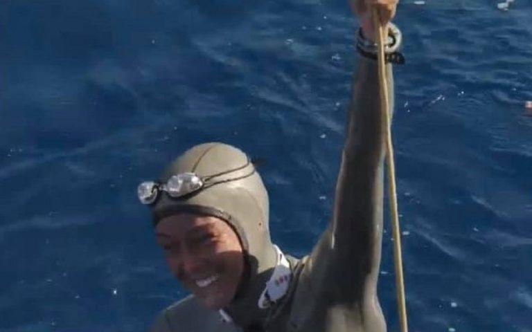 Alessia Zecchini che emerge vittoriosa